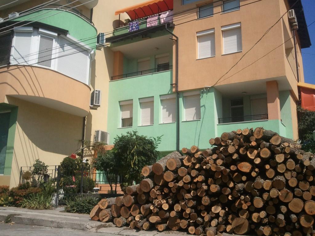 В сентябре начинают завозить дрова